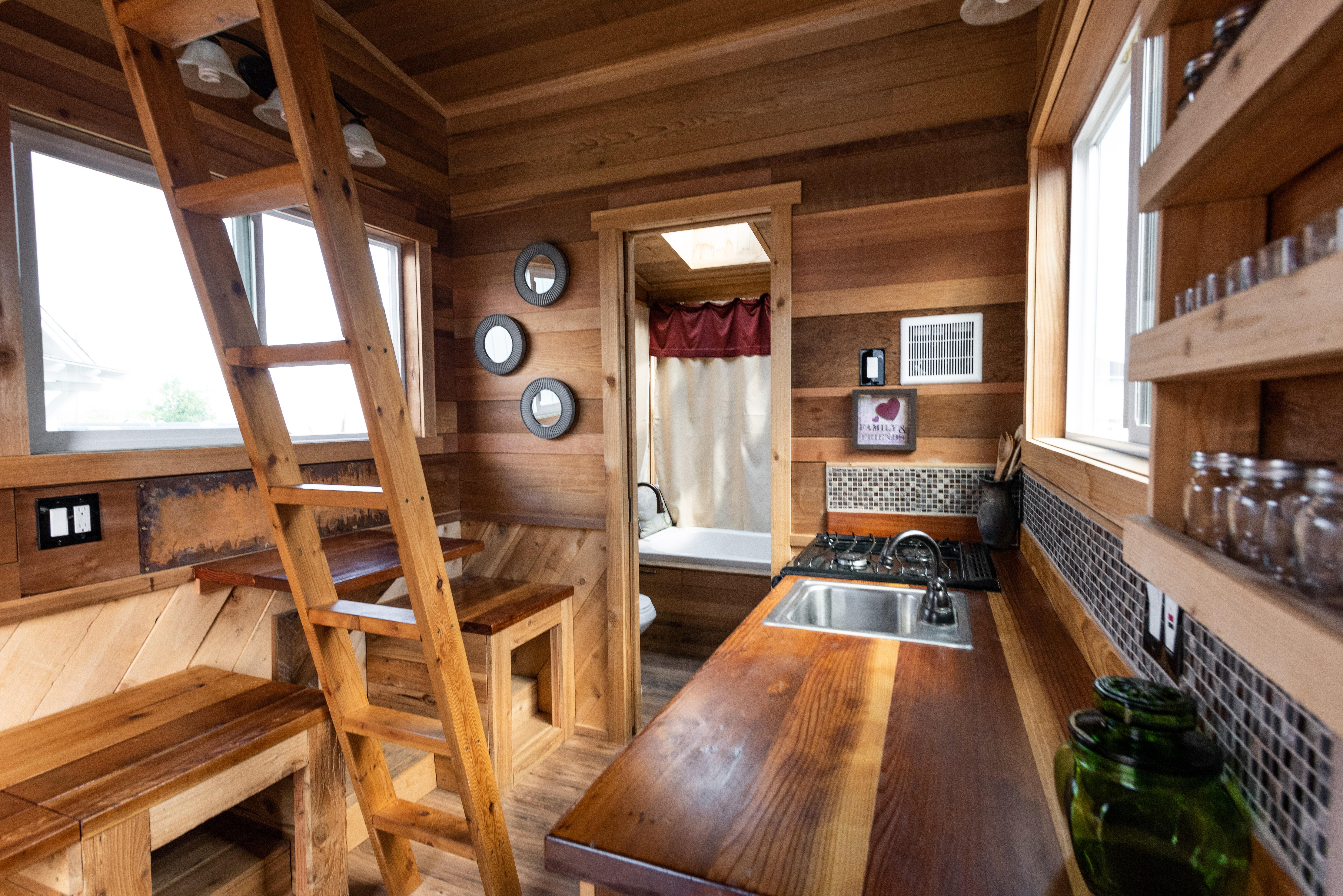 Nw Mountaineer Tiny Smart House